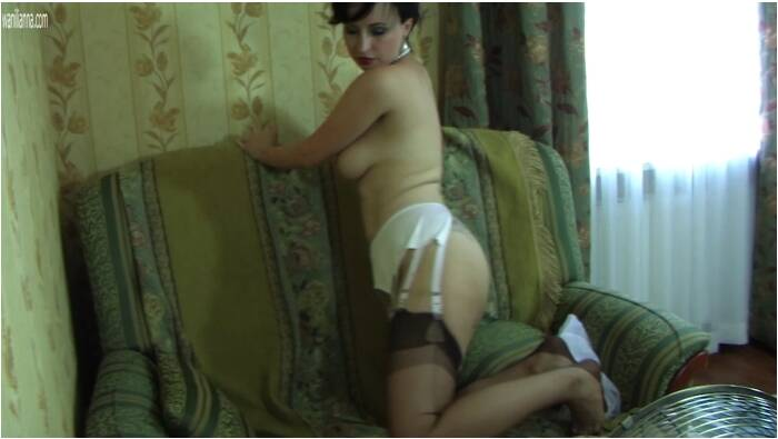 Wanilianna.com - Wanilianna  - Vintage dress of the 40s and FF nylon stockings  [FullHD 1080]