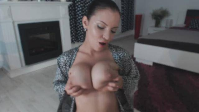 LanaIvansOfficial - Lana Ivans - Titties on the table [HD, 720p]