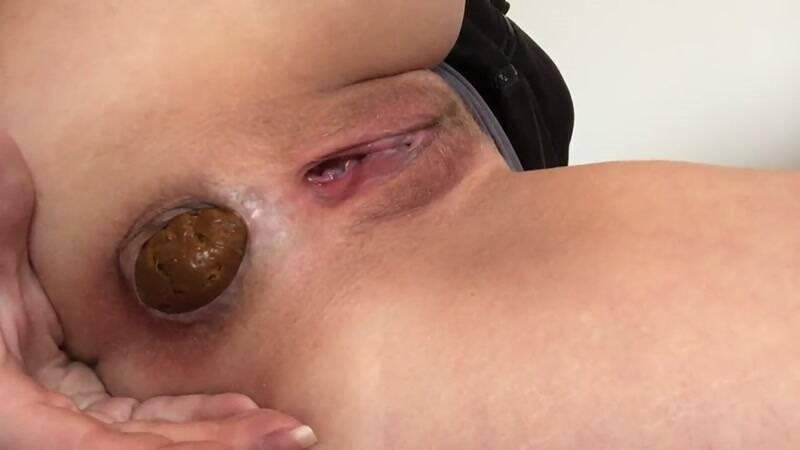 In the hand with sausage - Solo Scat [FullHD] - Scat Porn