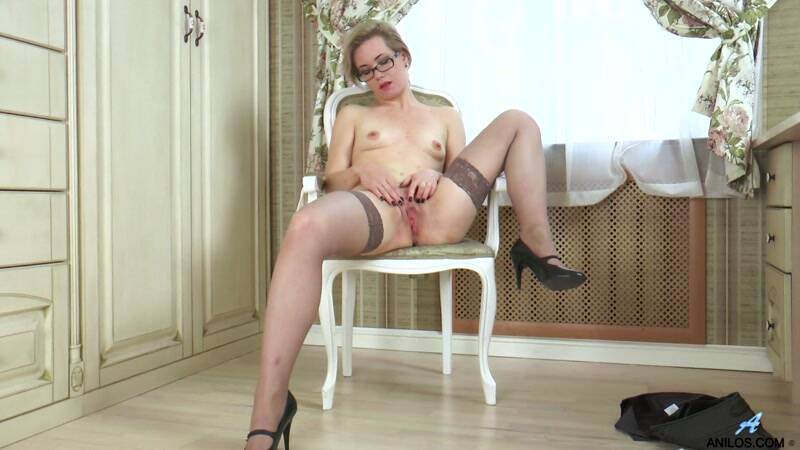 Lisa Young Thigh Highs [FullHD] - Anilos