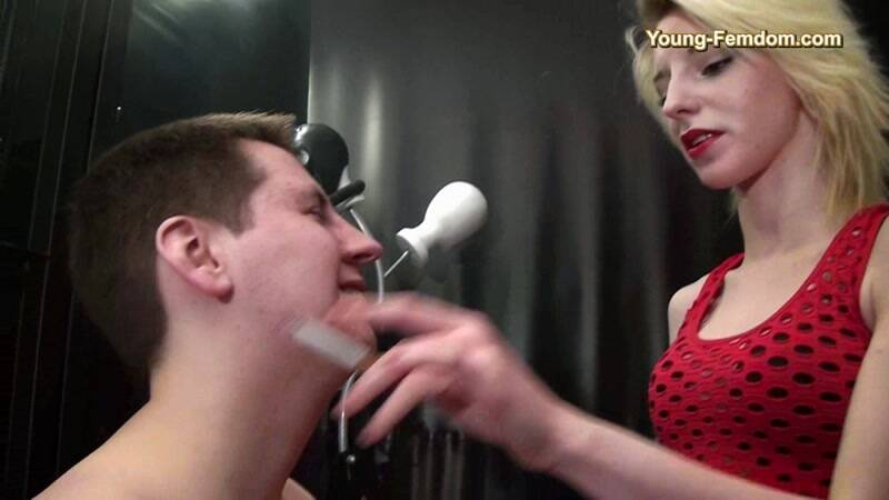 Young-Femdom.com: You do everything wrong ! [HD] (252 MB)