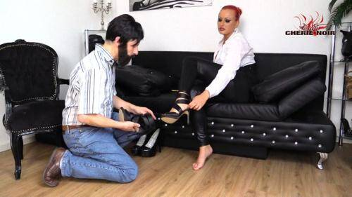 My Neighbour?! I've Caught The Foot Slut! [FullHD, 1080p] [CherieNoir.com] - Femdom