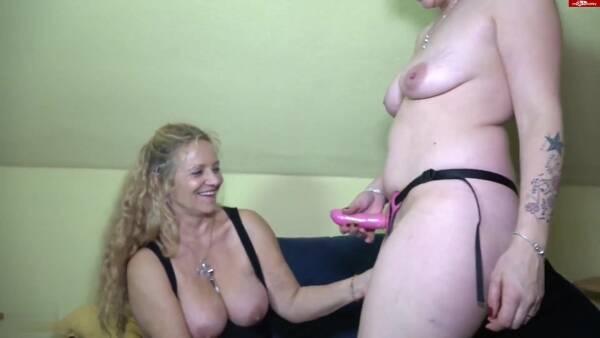 sm0keykate - Porno-Oma lernt von mir [FullHD 1080p] - MDH