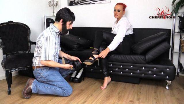 CherieNoir, Clips4sale - My Neighbour?! I've Caught The Foot Slut! [FullHD, 1080p]