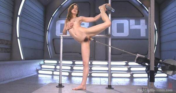 Kasey Warner - Flexible 19 Year Old Gets Machine Fucked (FuckingMachines.com) [SD, 360p]