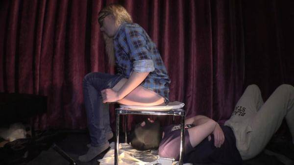 Jenny Gina and toilet slave - Femdom Scat! Group! [Scat] [FullHD] [759 MB]