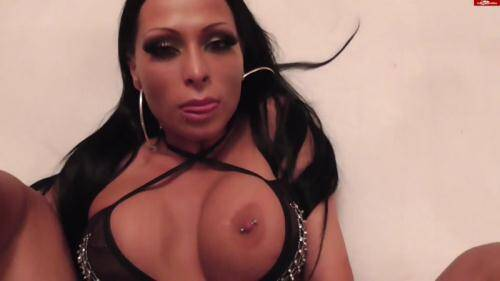 �razy Dirty Sex [Jacky L - Jacky L - Komm! Die Edelhure entjungfert dich] FullHD, 1080p)