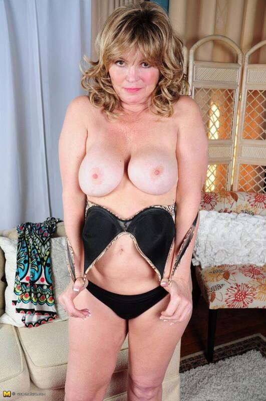 Isabelle O. (51) - Solo [Mature.nl, usa-mature] 540p