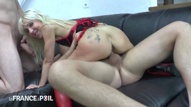 LaFRANCEaPoil.com/NudeInFRANCE.com: Gorgeous big titted squirt mom fucked hard in threesome before swallowing hot cum [HD] (643 MB)