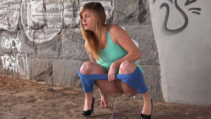 Teen Girl - Blue Leggings Waterfall [G2P] 1080p