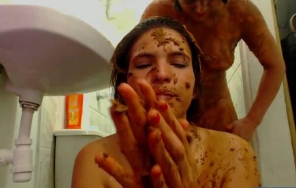 Hightide - Messy Paula, Scatdoll - The bathroom raid (Scat) [HD, 720p]