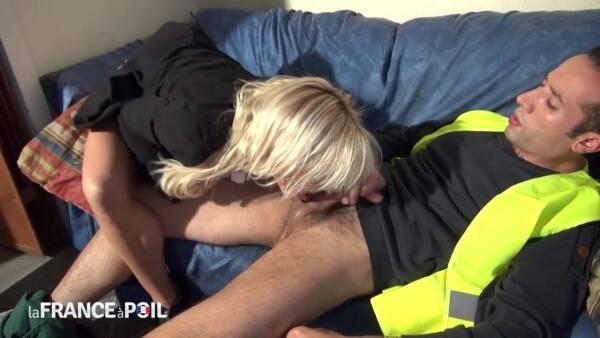 Therese - Avec son corps de reve, cette patronne regale son employe! (LaFRANCEaPoil) [HD 720p]