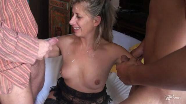 French - Apero avec une mere de famille qui part en vrille : elle finit par faire tourner son cul et grincer des dents ! [SD, 360p]