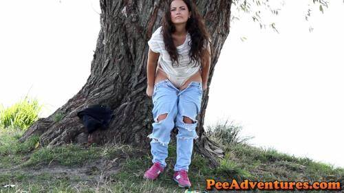 Changing her clothes [FullHD, 1080p] [PeeAdventures.com] - Pissing