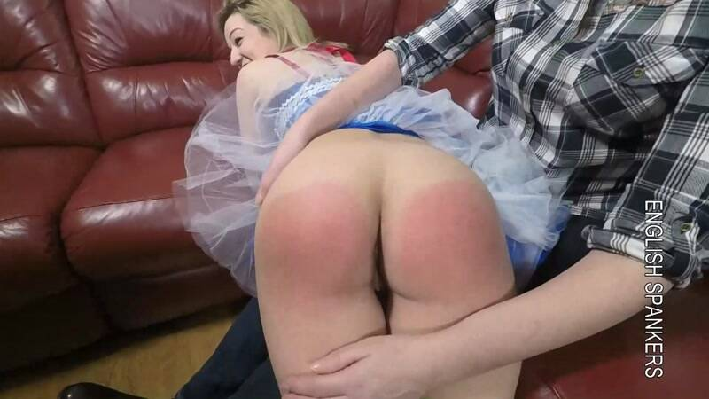 Tiana - First Spanking and introduction to the paddle [FullHD] - Spank