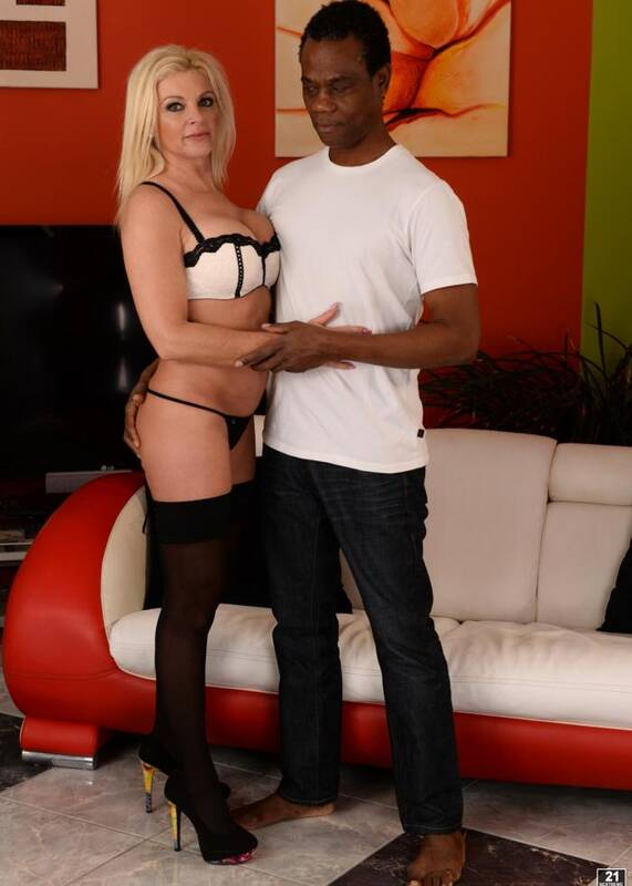 Lusty Grand - Franny - Frannys Black Neighborly Kicks  [FullHD 1080p]