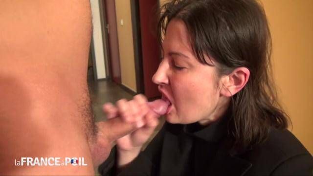 LaFRANCEaPoil, NudeInFRANCE - Uptight brunette gets dirty at the office [HD, 720p]