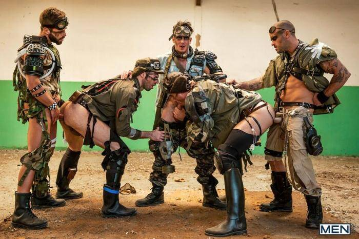 JizzOrgy.com/Men.com - Damien Crosse, Dario Beck, Hector De Silva, Jay Roberts, Paddy O'Brian - Apocalypse Part 4 (Gay) [HD, 720p]