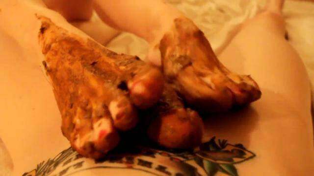 Scat Porn - My sweet shitty feet and nasty footjob - Solo Scat [FullHD, 1080p]