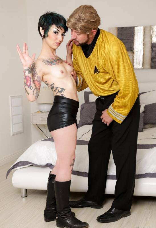 Burning Porn - Rachel Ravaged - Trekkie Love  [FullHD 1080p]