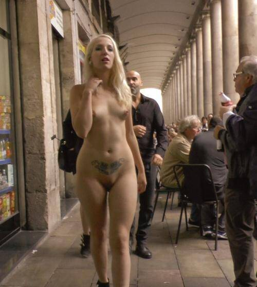 PublicDisgrace.com/Kink.com - Mona Wales, Liz Rainbow [Eager Blond Nimpho Needs All Her Holes Publicly Pounded] (SD 540p)