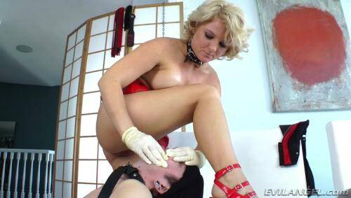 Casey Cumz - Strap Attack [SD, 544p] [Evil Sex] - Strapon