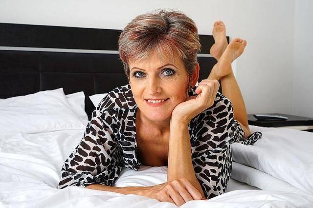 Mature.nl, Mature.eu - Carla S. (46) - Solo [SD, 406p]