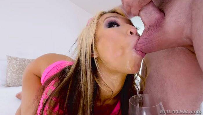 Deep Throat - Mia Rider, Jonni Darkko in Hard sex with Blowjob! (Asian) [SD, 400p]