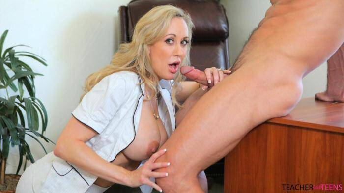 Brandi Love, Hollie Mack - Teacher Gets Caught [TeacherFucksTeens] 360p