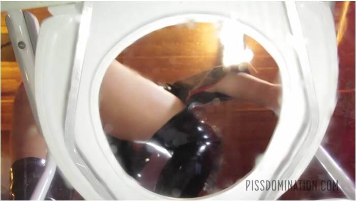 Pissing and Domination - Mistress Tangent Femdom Period Play - Mistress Tangent  [FullHD 1080]
