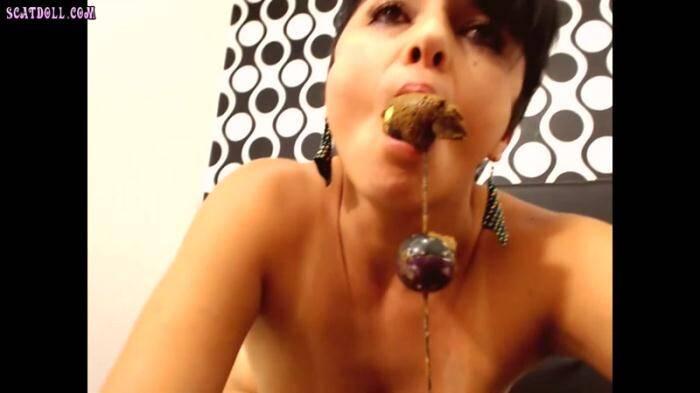 Scat Porn: Toys in her Ass - Part 2 - Amateur Scat (HD/720p/186 MB) 01.03.2016