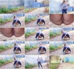 G2P - Crouched Denim - Outdoor Pee (Pissing) [FullHD, 1080p]