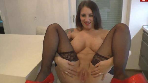 Сrazy Dirty Sex: Queen-Paris - User Schlammschieben Spezial - Mit Plug im Arsch (2016/FullHD)
