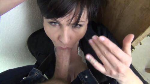 Facefucking The Anger Management Counselor [HD, 720p] [Clips4Sale.com] - Incest