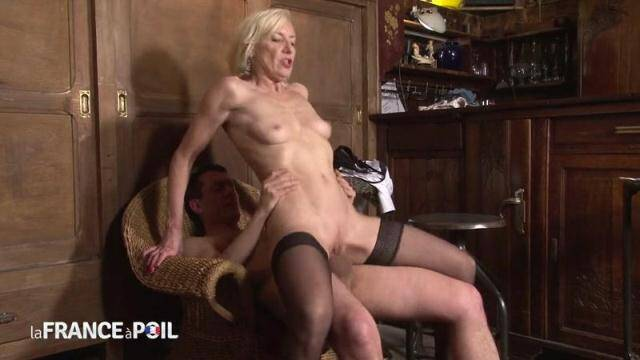 NudeInFRANCE, LaFRANCEaPoil - Perverted bartender fucks his bosses older wife [HD, 720p]