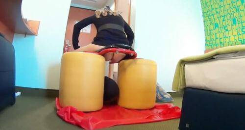 Scat [Caviar training with a long sausage and complete eating of - Femdom Scat] FullHD, 1080p)