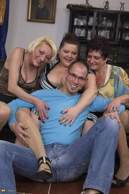 Helina K. (38), Kaysha (52), Alisah (40) - Group sex [Mature.nl] 540p