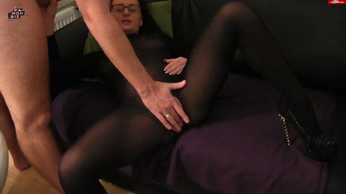 �razy Dirty Sex - Aneta - Ehebruch durch Nylon Komplettanzug (Amateur) [FullHD, 1080p]