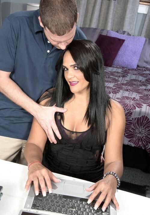 40 Some Mag/Porn Load - Amber Reiz [Anal revenge] (HD 720p)