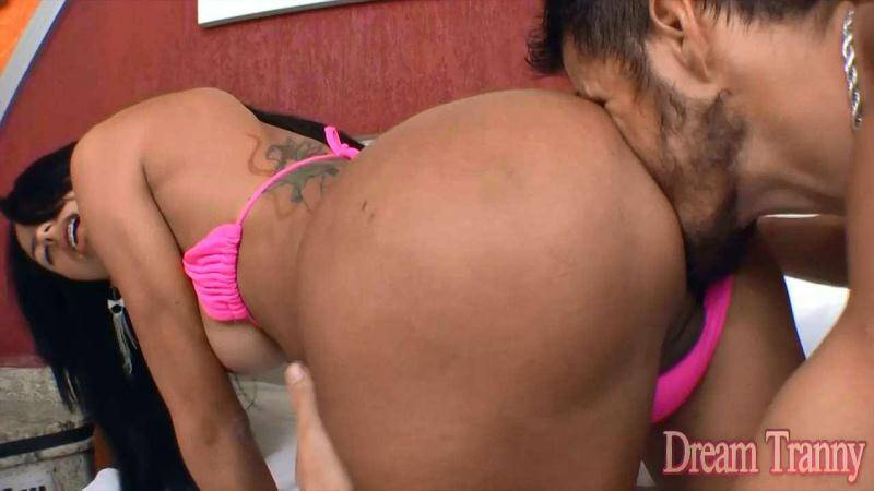 DreamTranny.com: Michelly Araujo - Transsexual Versatility [HD] (675 MB)