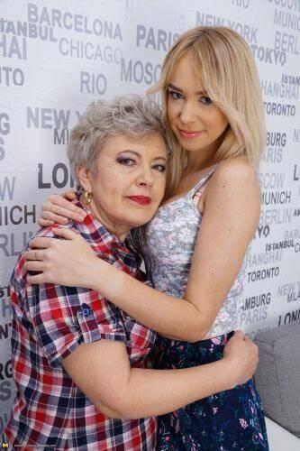 Mature.nl/old-and-young-lesbians.com [Klaudia D. (57), Kelsi (21) - Two Crazy Lesbians] SD, 540p)