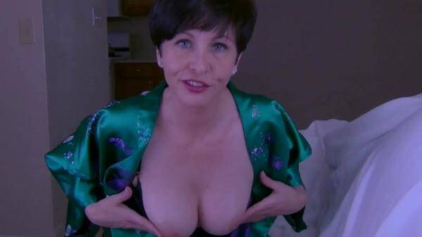 Let Mommy Help You (Clips4Sale.com) [HD, 720p]