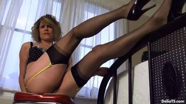 DeliaTS.com: Delia Ts - Felina Polka Dots with Black 100 Nylon Stockings [HD] (488 MB)