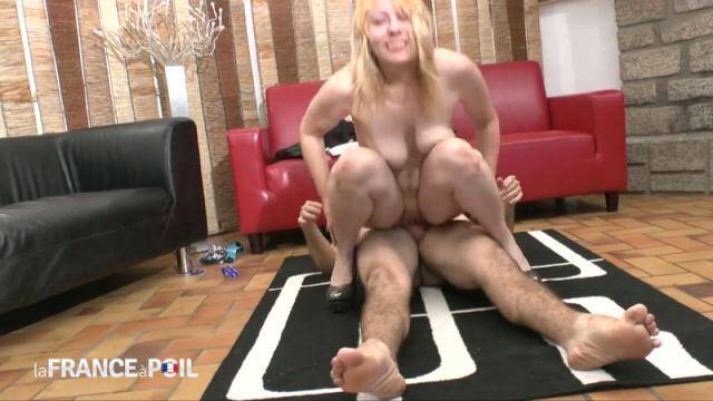 LaFRANCEaPoil, NudeInFRANCE - Loona, cougar from Amiens, squirts while getting her ass pounded [HD, 720p]