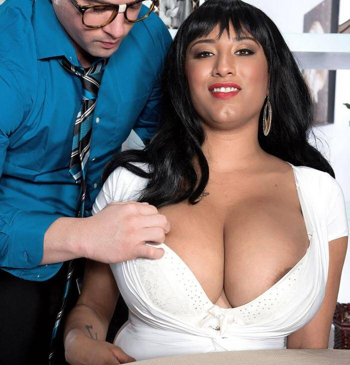 Porn Load - Danni Lynne - Blind Date With A Natural Bra-buster  [HD 720p]