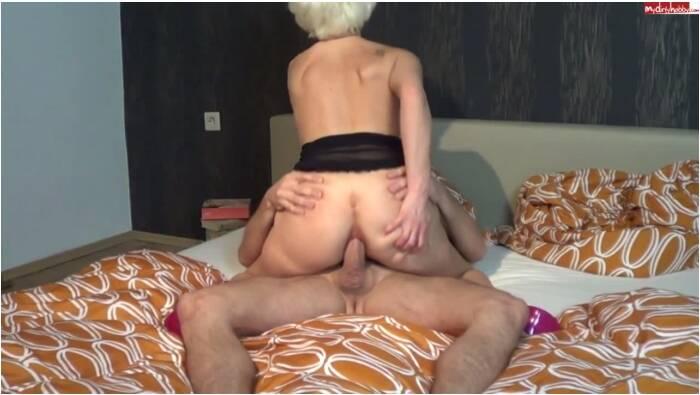 Crazy Dirty Sex - Kim-van-Staart - Im Bett ist auch mal nett  [HD 720]