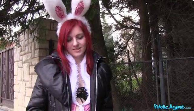 Public Sex - Snow - Hot Easter bunny girl fucked outside [SD, 368p]
