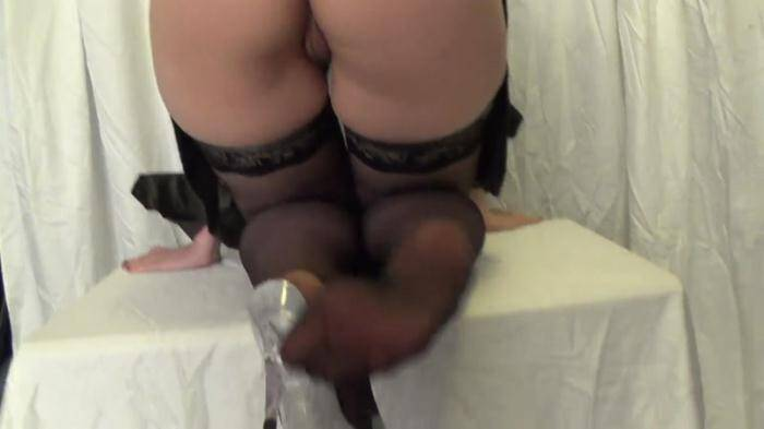 Scat Porn: Smearing shit on the legs and tasty ass - POV Scat (FullHD/1080p/183 MB) 30.03.2016