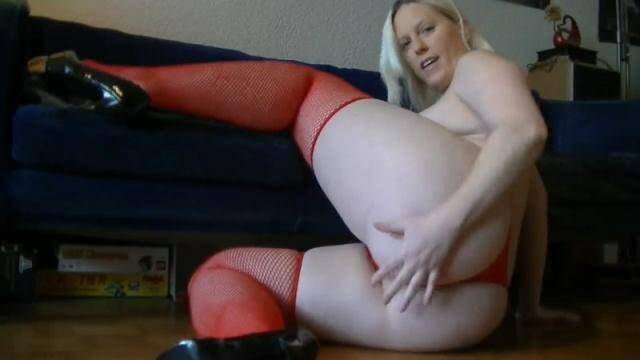 Scat Porn - Germany Girl - Sexy Candy-shit long smooth sausage [FullHD, 1080p]