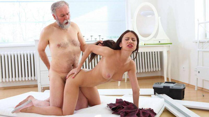 Pornostars: Nakita gets her first taste of older cock and she fucking loves it! [SD] (313 MB)